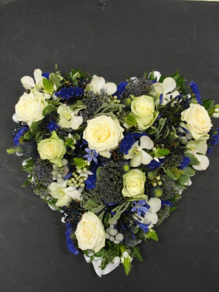 Blue & white rustic loose heart