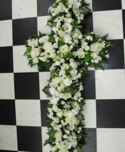 White & green loose cross
