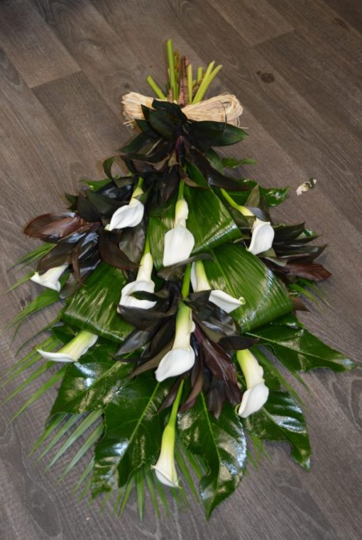 calla-lily-tied-sheaf