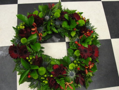 Claret & thistle wreath